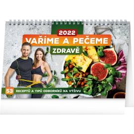 Stolový kalendár Varíme a pečieme zdravo 2022, 23,1 × 14,5 cm